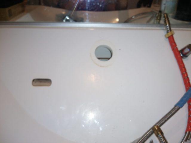 洗面蛇口を外した写真