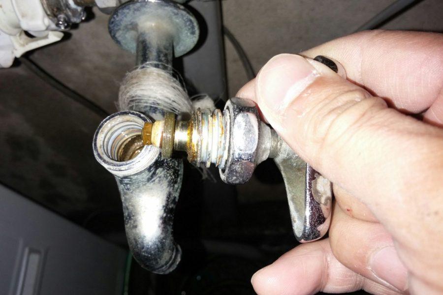洗濯蛇口水漏れ修理写真