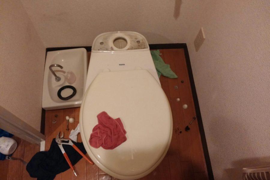 トイレつまり便器脱着の写真